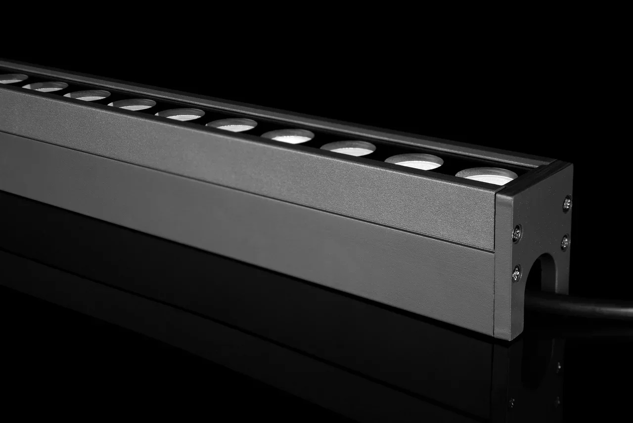 Впроекте использованы линейные архитектурные светильники «Эмиттер36F».