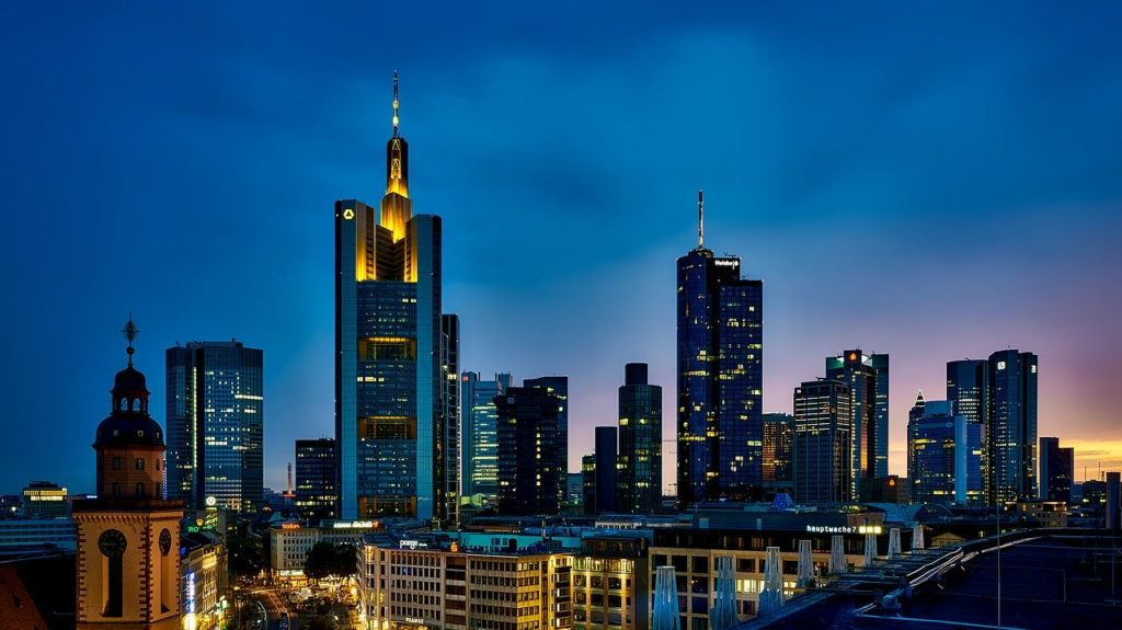 frankfurt 1804481 1280 1024x575 - Архитектурная подсветка фасадов зданий