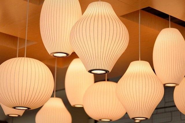 lamp 1209278 640 - Какой свет лучше – теплый или холодный