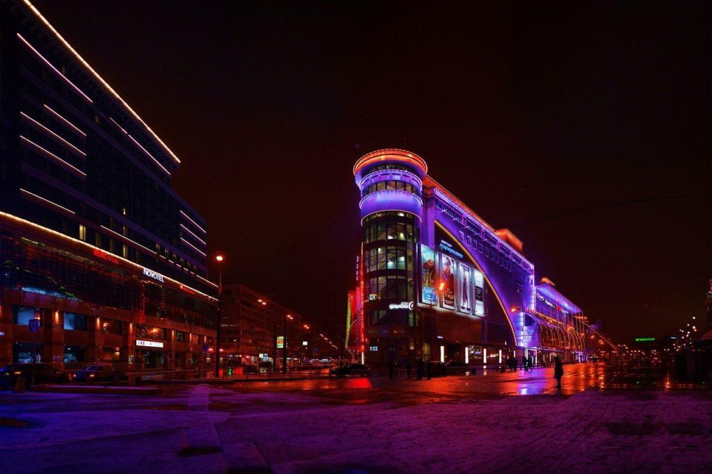 moscow 2391177 1280 1024x682 - Декоративное освещение городов