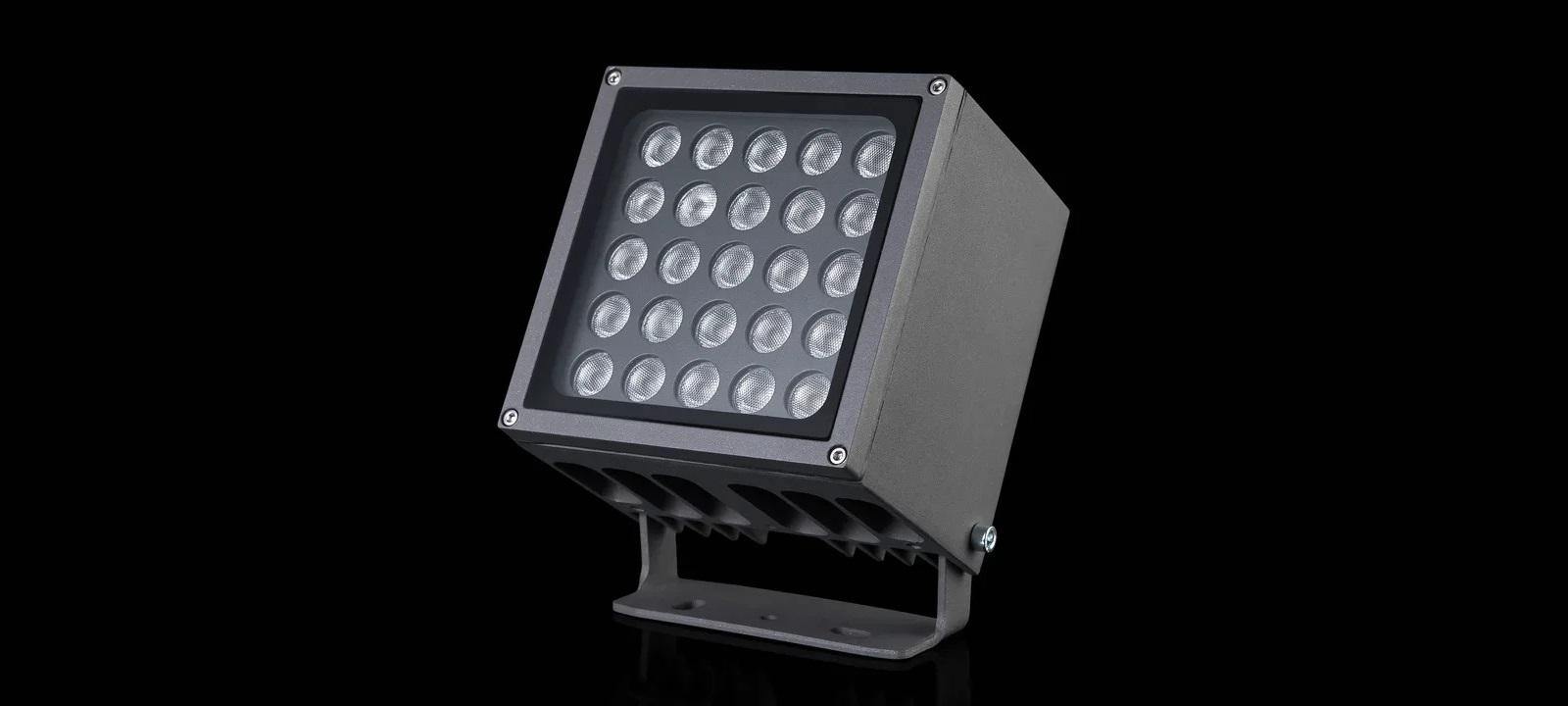 Также использованы точечные фасадные светильники серии «Гранит» (односторонние)