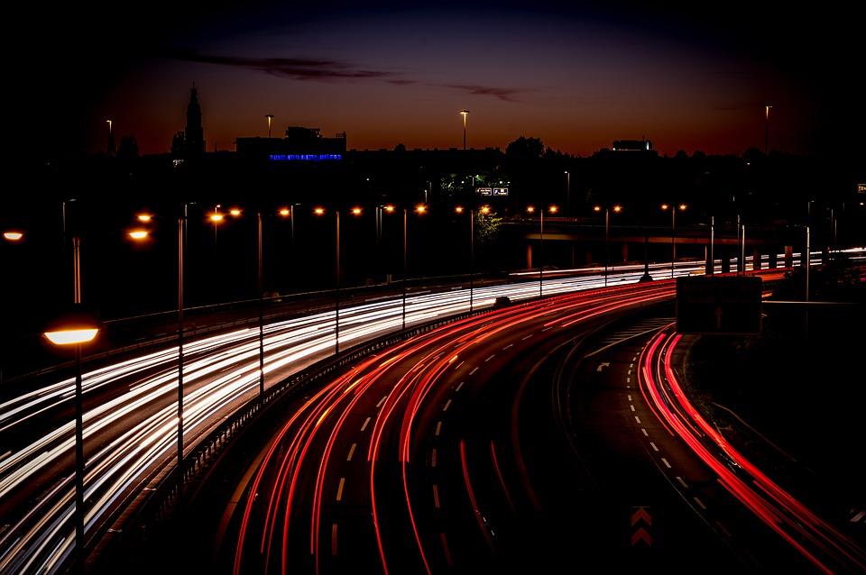 highway 4494907 960 720 - Освещение открытых площадок: специфика, особенности и правила